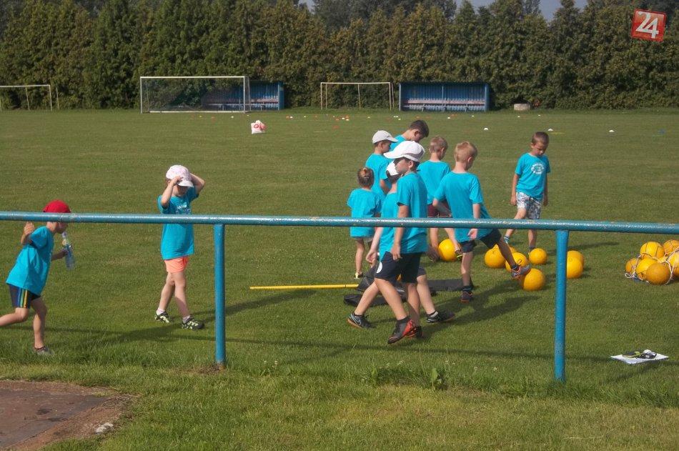 db8036f512170 Letné prázdniny trávia hravo: Malí Šaľania navštevujú futbalový ...