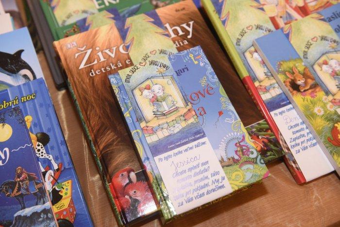 7460b7cd2 Ilustračný obrázok k článku V šalianskej knižnici letia nové knihy:  Prispieť zaujímavým titulom môžete i